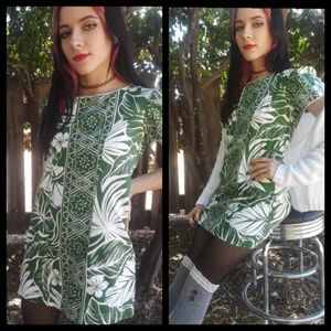 Cute! Vtg handmade Hawaiian print mini dress!